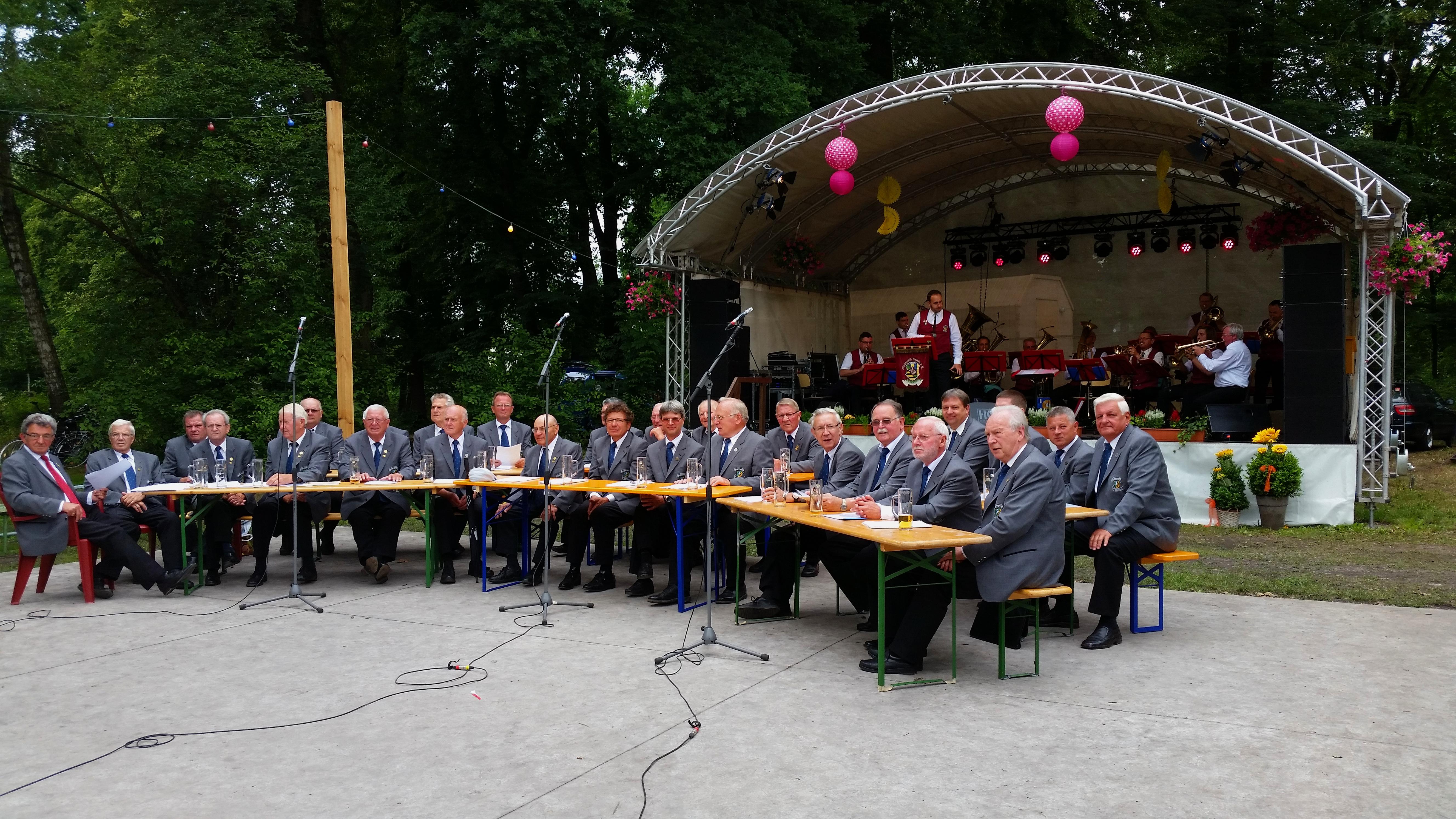 Frühschoppen zum Parkfest und Reitturnier in Löbnitz 2016 - Blasmusikverein Schenkenberg e.V.