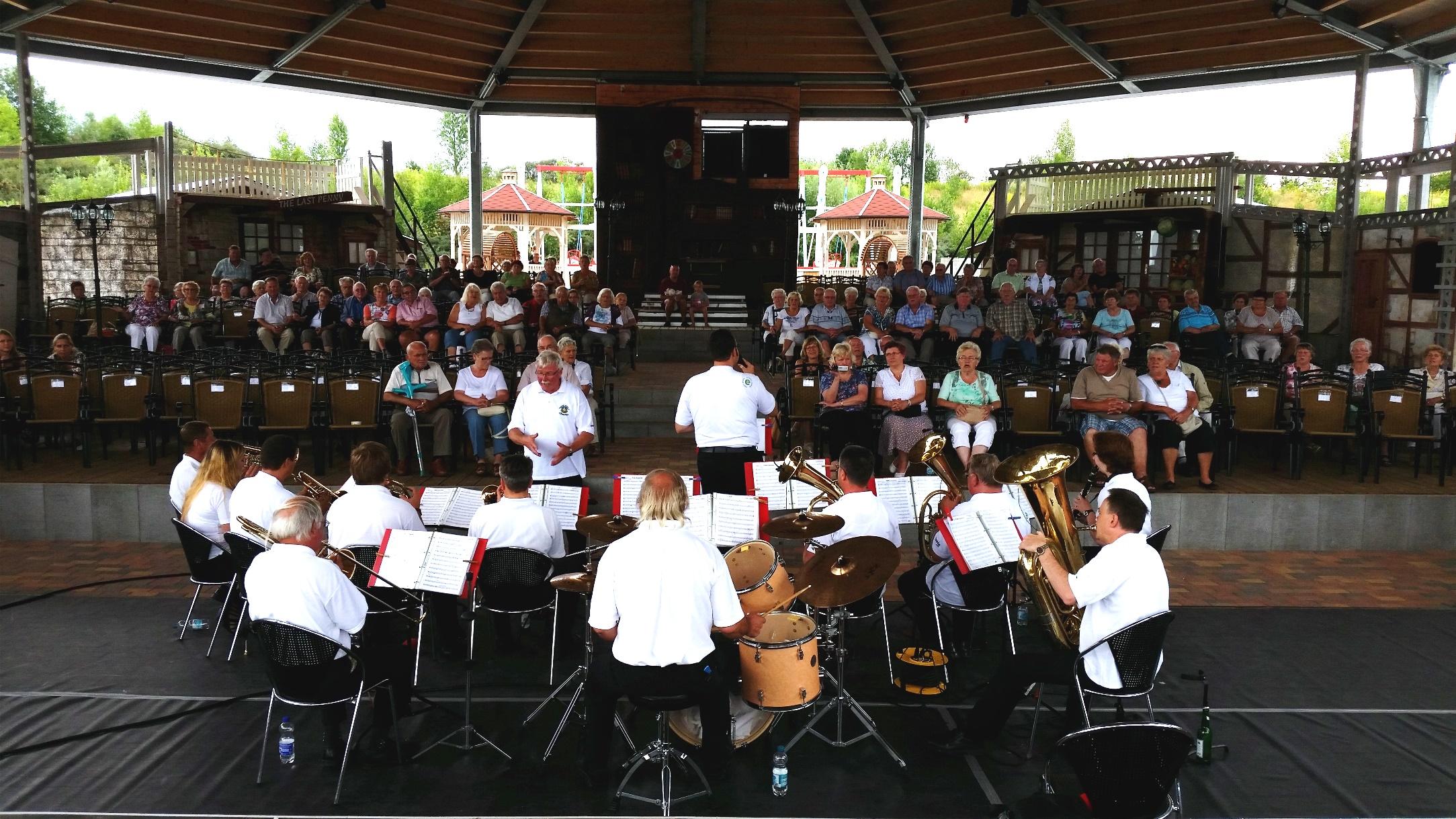 Biedermeierstrand Hayna 2016 - Blasmusikverein Schenkenberg e.V.