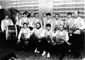 Gruppenfoto Schenkenberg 1986 - Blasmusikverein Schenkenberg e.V.